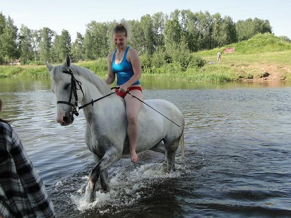 Лошади - Купание. Так здорово...!