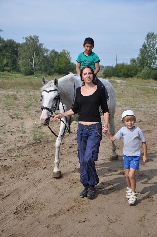 Иппотерапия и лечебная верховая езда (ЛВЕ) - Эрик на Нике