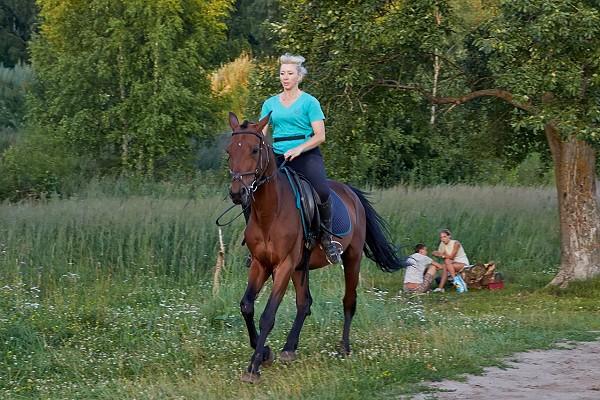 Верховая езда / Конный спорт - Тренировка. Людмила на Водопаде